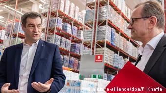 Маркус Зёдер на складе сети супермаркетов Rewe