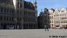 Grand Place, Brüssel, Belgien. Der Platz im Herzen der Stadt ist normalerweise voller Touristen. Kurz vor der Ausgangssperre, die um 12 Uhr am 18.03.2020 begonnen hat. Foto: Bernd Riegert, DW, alle Rechte. Aufgenommen am 18.03.2020. Foto: Bernd Riegert / DW am 18.3.2020