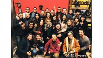 Freiwillige helfen Coronavirus-Betroffene in Italien