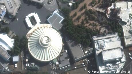 BG Coronakrise | vorher - nachher | Japan Tokio Disneyland (Reuters/Maxar Technologies)