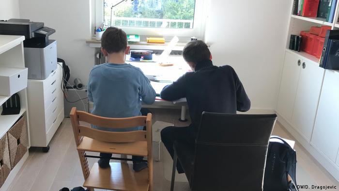 Deutschland Coronakrise | Schule zu Hause