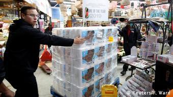 Südafrika Hillcrest   Coronavirus   Kauf von Toilettenpapier