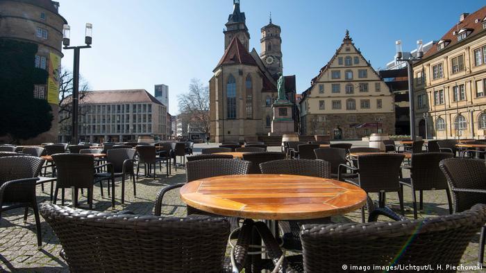 Coronavirus-COVID-19 Eindrücke aus einer leeren Stadt¦. Es ist traurig. Die Stadt Stuttgart an einem Mittwoch Vormittag (imago images/Lichtgut/L. H. Piechowski)