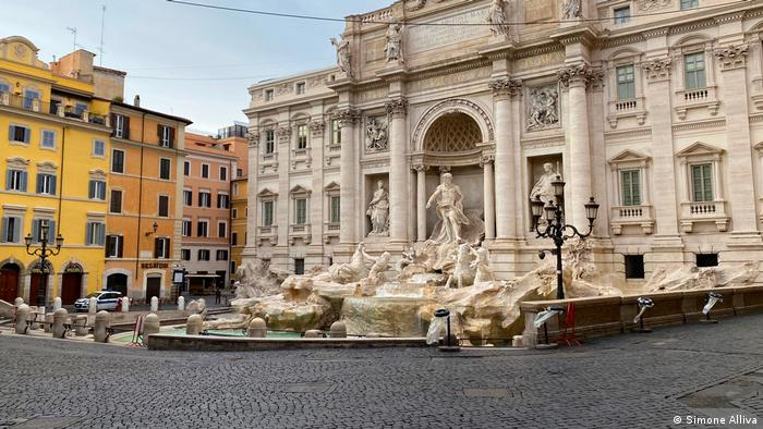 The Trevi Fountain on a bright spring day - with not a single person to be seen (Simone Alliva)