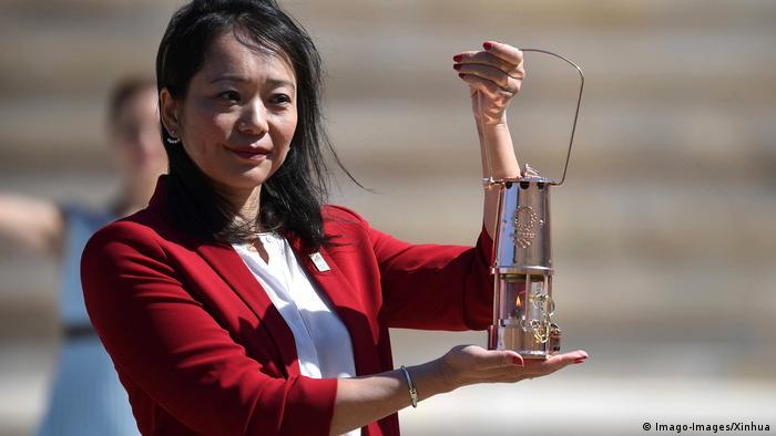 Griechenland Übergabe des olympischen Feuers an Japan | Imoto Naoko