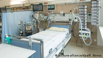 Койка в отделении интенсивной терапии в Университетской клинике Дрездена