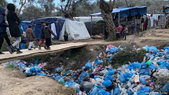 Griechenland Flüchtlingslager Moria | ausgetrocknetes Flussbett