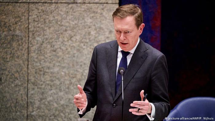 Niederlande Den Haag | Bruno Briuns, Minister für medizinische Versorgung