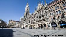 News Bilder des Tages March 19, 2020, Munich, Bavaria, Germany: An empty Marienplatz in Munich, Germany. The plaza is normally filled with hundreds to thousands of tourists at any given time, but the Coronavirus crisis and closed businesses has decimated tourism. As a response to the increasingly dire Coronavirus Sars CoV 2, Covid 19, the state of Bavaria has instituted measures that restrict the operations of various types of businesses that has led to the city center, once filled with tens of thousands of tourists and residents, to become a virtual ghost town, with limited numbers of people in sight. Munich Germany - ZUMAb160 20200319zbpb160033 Copyright: xSachellexBabbarx