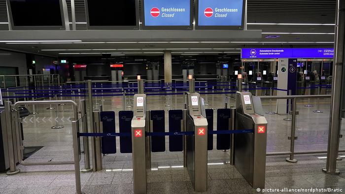 Controle de fronteiras no aeroporto fechado