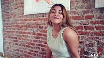 Muchos argentinos están dejando el país por la situación económica, afirma Lorena Yebara.
