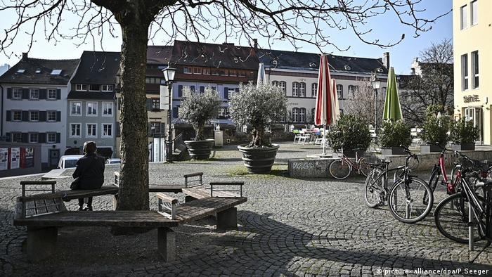 Coronavirus in Freiburg Ausgangssperre (picture- alliance/dpa/P.Seeger)