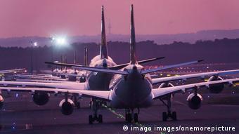 Der Flugverkehr wird wegen der Corona POandemie weltwweit eingeschränkt