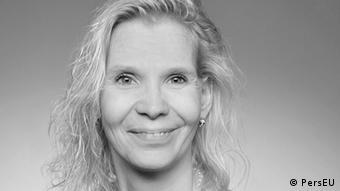 En Alemania debería haber una formación de enfermería en las universidades con títulos de licenciatura, como en otras partes del mundo, dice Nina Baumann.