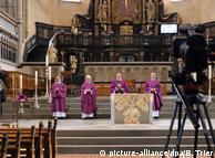 Kirchen wollen Corona-Distanz überwinden