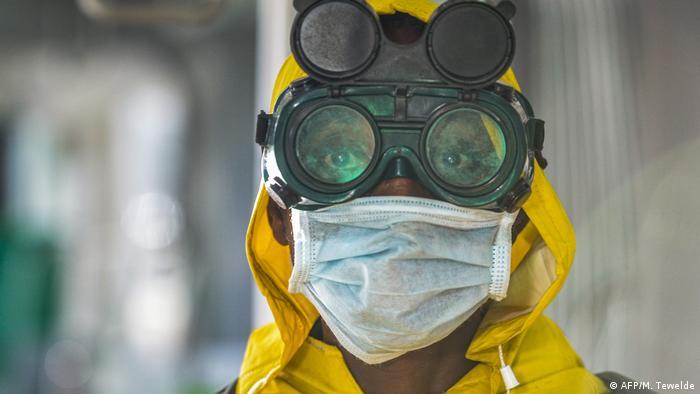 Coronavirus in Äthiopien Addis Ababa Mann mit Schutzmaske
