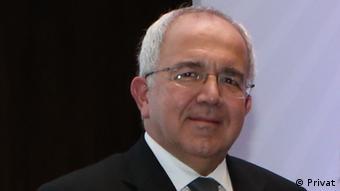 Türk Psikiyatri Derneği Genel Başkanı Ömer Böke