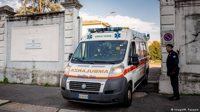 Кількість загиблих від COVID-19 та нових інфікованих коронавірусом знижується в Італії два дні поспіль