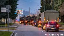 Bergamo Coronavirus - the army intervenes to move the bodies from the main cemetery of Bergamo Foto & xa9Sergio Agazzi/Fotogramma, Bergamo - 2020-03-18 p.s. la foto e utilizzabile nel rispetto del contesto in cui e stata scattata, e senza intento diffamatorio del decoro delle persone rappresentate PUBLICATIONxINxGERxAUTxONLY Copyright: xFotox& xa9SergioxAgazzix/xFOTOGRAMMAx