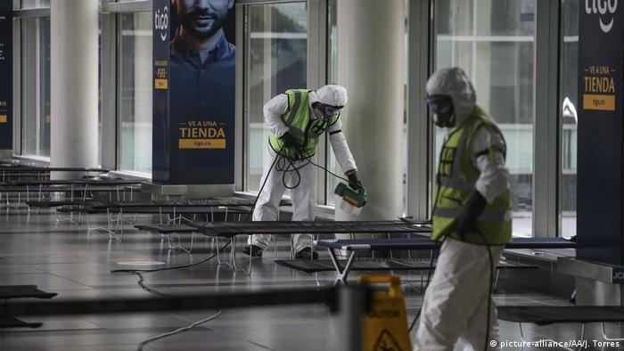 Corona - El Dorado Flughafen in Bogota