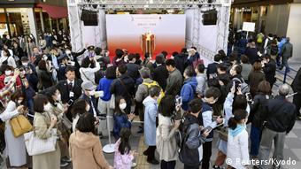 Japan Tokio Bahnhof Sendai Olympische Flamme (Reuters/Kyodo)