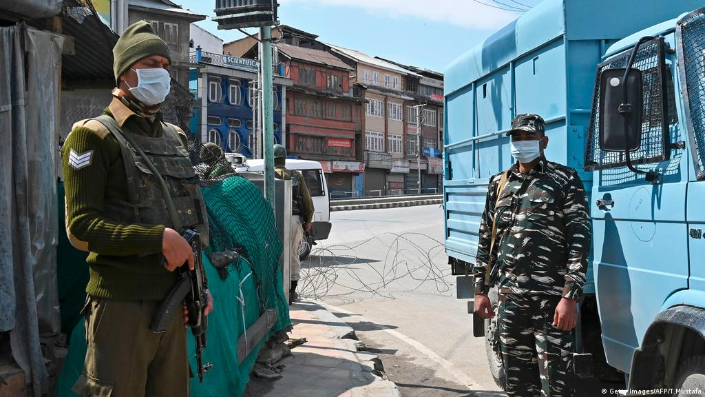 Covid 19 Crisis Prolongs Kashmir Lockdown Asia An In Depth Look At News From Across The Continent Dw 10 04 2020