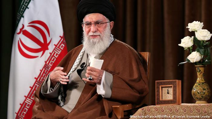 Iran Teheran Rede Khamenei (picture-alliance/AP/Office of Iranian Supreme Leader)