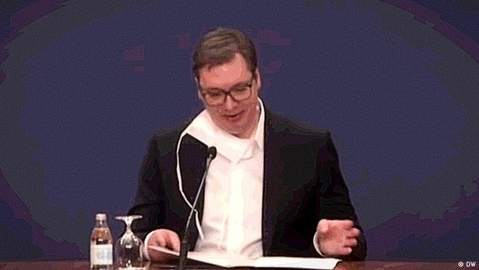 Predsednik Srbije Aleksandar Vučić tokom jednog od čestih obraćanja javnosti