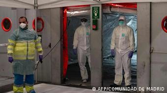 В одной из клиник Мадрида, куда привозят зараженных коронавирусом