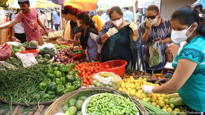 Indien Kalkutta | Coronavirus | Markt (picture-alliance/NurPhoto/D. Chakraborty)