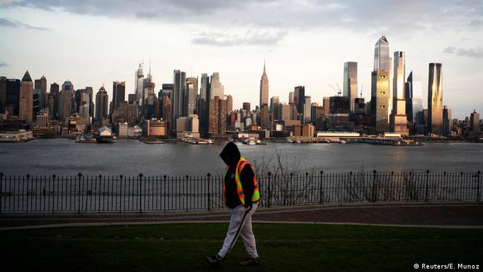 Skyline New York City (Reuters/E. Munoz)