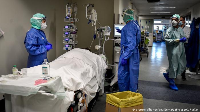 Italien Intensivversorgung von Corona-Patienten