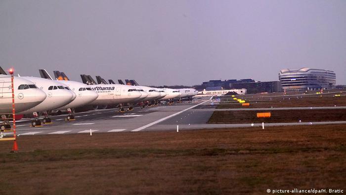 Corona-Virus Frankfurt Flughafen (picture-alliance/dpa/H. Bratic)