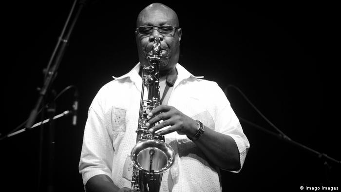 Manu Dibango playing sax (Imago Images)