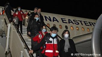 Kινέζοι επιστήμονες, εξειδικευμένοι πλέον στην αντιμετώπιση του Covid-19, καταφθάνουν στην Ιταλία