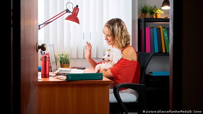 Symbolbild Home Office | Arbeit in Zeiten von Corona (picture-alliance/PantherMedia/D. Cervo)