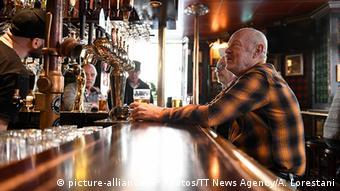 Шведские рестораны и бары продолжают работу