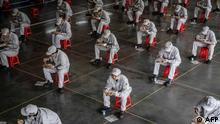BdTD China Wuhan Essenspause für Arbeiter in Autofabrik Dongfeng Honda