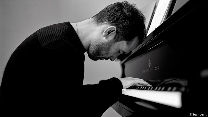 Pianist Igor Levit Hauskonzerte in Corona-Krise