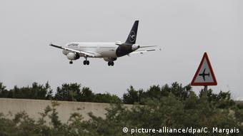 «Οι ταξιδιώτες θα πρέπει να συμπληρώνουν φυλλάδιο υγείας στο αεροπλάνο και στο αεροδρόμιο θα μετριέται η θερμοκρασία τους»