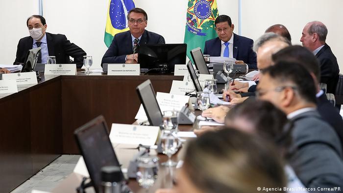 Jair Bolsonaro em videoconferência com governadores nesta quarta-feira