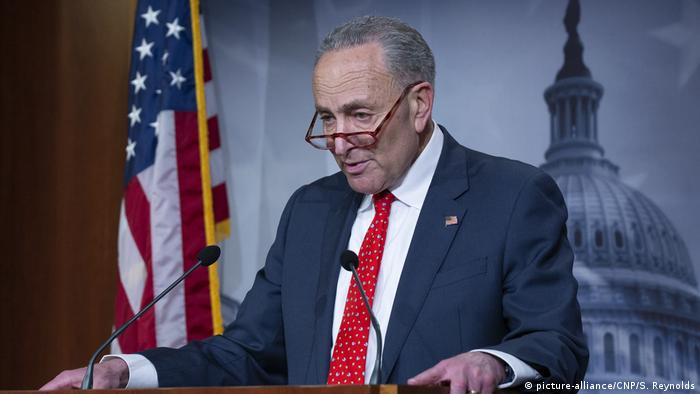 Washington US-Senator Chuck Schumer Demokraten gibt PK (picture-alliance/CNP/S. Reynolds)