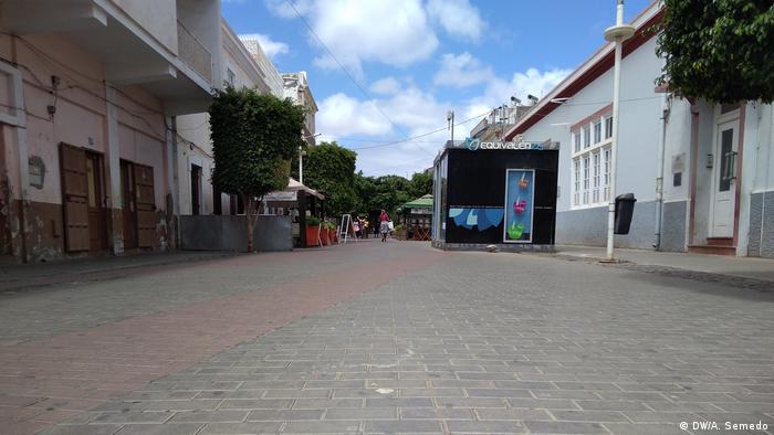 Rua vazia em Cabo Verde