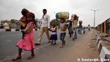 Indien Kalkutta Migranten Arbeiter Coronavirus Covid-19 Gastarbeiter (Reuters/A. Dave)