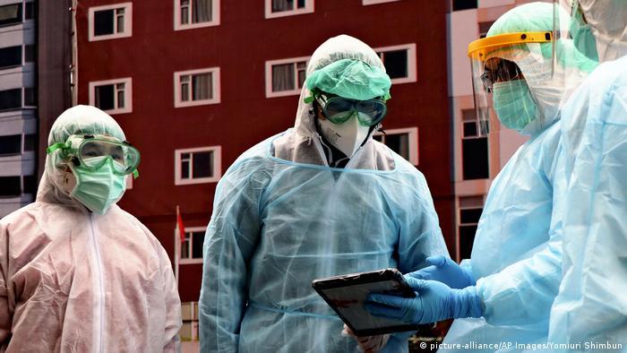 Taiwan Taipei | Übung gegen Ausbreitung des Coronavirus (picture-alliance/AP Images/Yomiuri Shimbun)