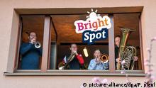 Sticker Bright spot - Lichtblicke   ENG   Coronavirus   Musik, Solidarität