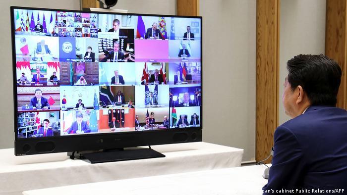 Japan Tokio | Shinzo Abe nimmt über Videoübertragung an dem G20 Gipfeltreffen teil