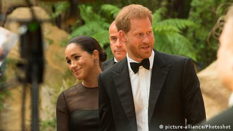 Großbritannien London 2019 | Premiere The Lion King | Prinz Harry & Meghan Markle, Duchess (picture-alliance/Photoshot)