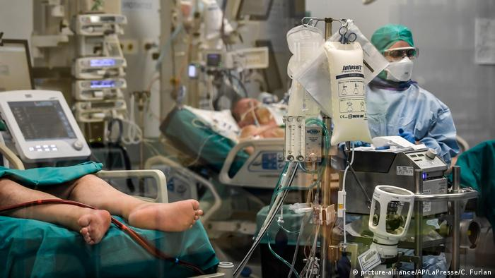 Разница в показателях смертности от коронавируса: от чего она зависит? |  Европа и европейцы: новости и аналитика | DW | 27.03.2020