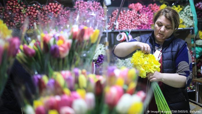 Der Rischskaja-Blumenmarkt in Moskau
